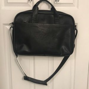 Kenneth Cole Reaction Bag NWT